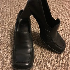 Versatile chunky heels